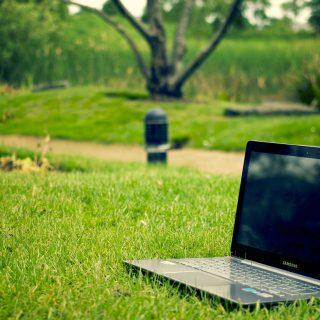 公園とパソコン